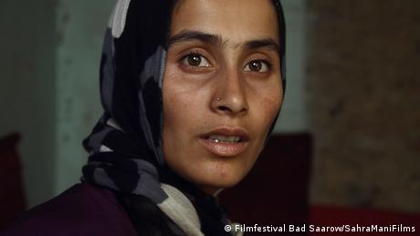 Film festival Bad Saarow film still from A thousand girls like me, head of a woman weaing a headscarf (Filmfestival Bad Saarow/SahraManiFilms)