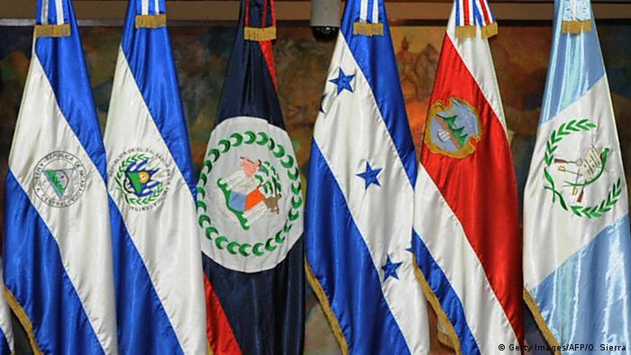SICA | Flaggen der Staaten Zentralamerikas