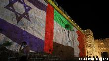 Israel die Flaggen von Israel, VAE und Bahrain werden projiziert in Jerusalem