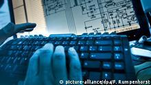 Symbolbild Hackerangriff I Cybercrime (picture-alliance/dpa/F. Rumpenhorst)