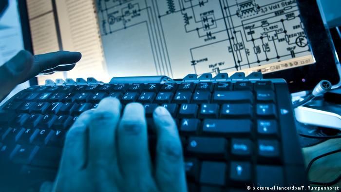 Representational image of a screen and keyboard.