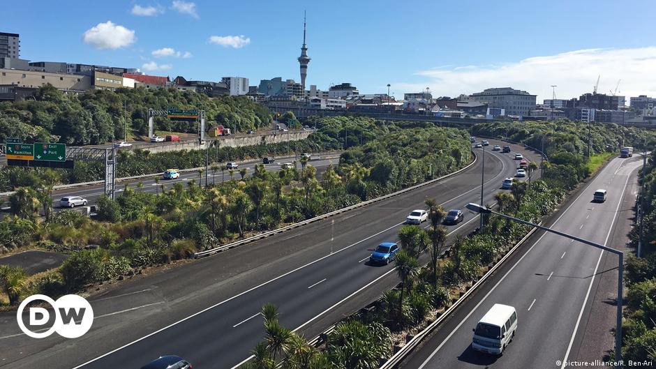 Coronavirus digest: Οι περιπτώσεις μυστηρίου αναγκάζουν τη Νέα Ζηλανδία να κλειδώσει το Ώκλαντ |  Νέα |  DW