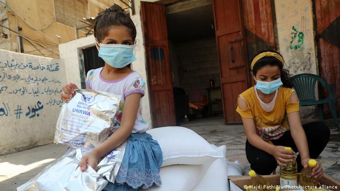 Gaza-Streifen Nahrungsmittelhilfe (Majdi Fathi/NurPhoto/picture alliance)