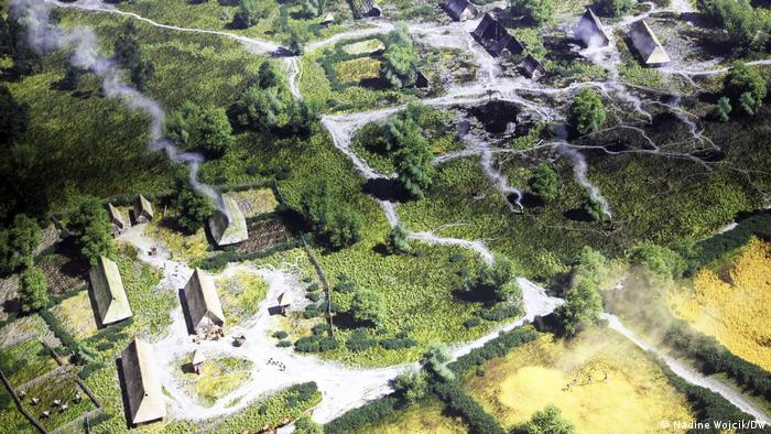 A digital reconstruction of a Germanic village with cultivated fields (Nadine Wojcik/DW)