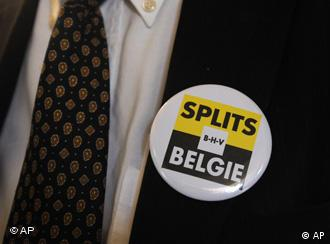 A badge reading Split Belgium