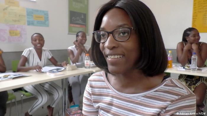 Iyaloo Akuunda a étudié l'allemand pendant cinq mois avant d'être recrutée pour un poste en Allemagne