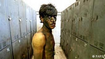 یک کارگر معدن در ایران