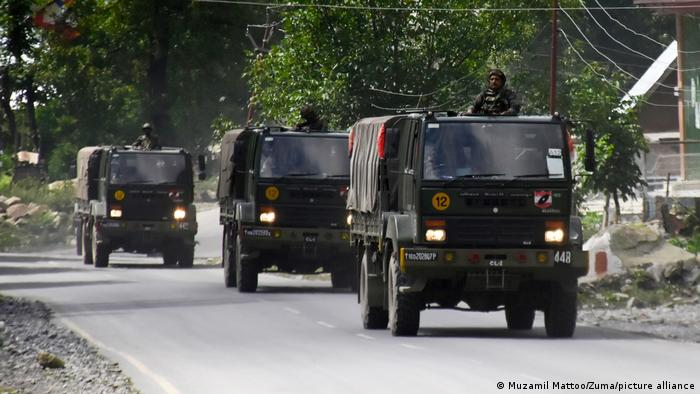 Indian troops in Jammu and Kashmir (Muzamil Mattoo/Zuma/picture alliance)