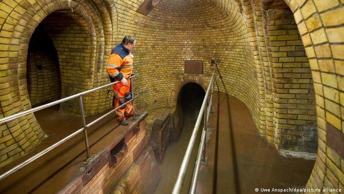 Mannheim Kanalarbeiter in Kanalisation