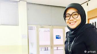 Tia Mariatul Kibtiah Universitas Bina Nusantara