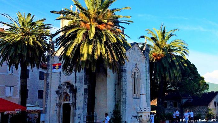 Crkva i palme