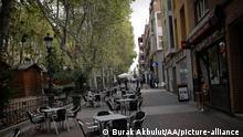 Spanien I COVID-19 I Leere Straße in Madrid