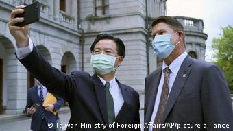 US-Diplomat Keith Krach in Taiwan   Außeninister Joseph Wu