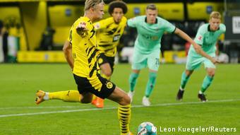 Bundesliga - Borussia Dortmund vs. Borussia Moenchengladbach (Leon Kuegeler/Reuters)