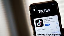 TikTok App Smartphone Handy Symbolbild