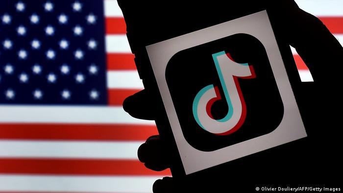 TikTok Logo, US flag (Olivier Douliery/AFP/Getty Images)