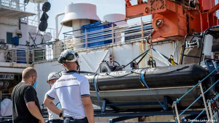 Italien Palermo | Inspektion auf Rettungsschiff Sea-Watch 4 (Thomas Lohnes/epd)