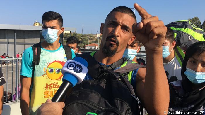 Migranții ce urmează să fie mutați în noul centru de primire se plâng de condițiile incompatibile cu o viață decentă.