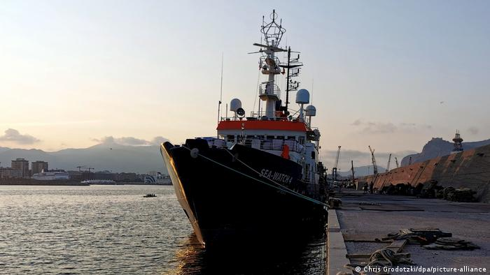 Sea-Watch 4 in Palermo (Chris Grodotzki/dpa/picture-alliance)