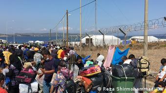 «Η Αθήνα αναγνωρίζει όλο και περισσότερους πρόσφυγες, προφανώς για να τους ξεφορτωθεί»