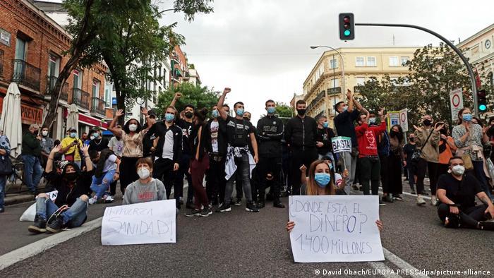 Spanien Coronavirus Protest in Madrid (David Obach/EUROPA PRESS/dpa/picture-alliance)
