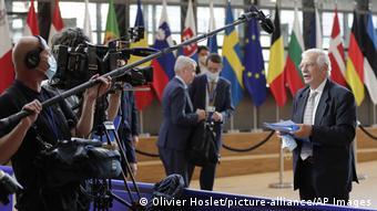 Жозеп Боррель отвечает 21 сентября на вопросы журналистов