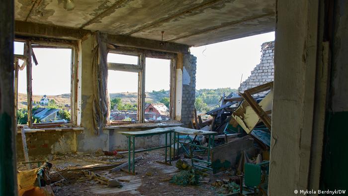 Разрушенная широкинская школп