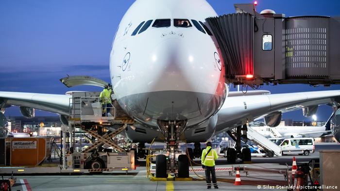 Lufthansa - Airbus A380 (Silas Stein/dpa/picture-alliance)