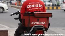 Indien Mitarbeiter von Zomato in Delhi