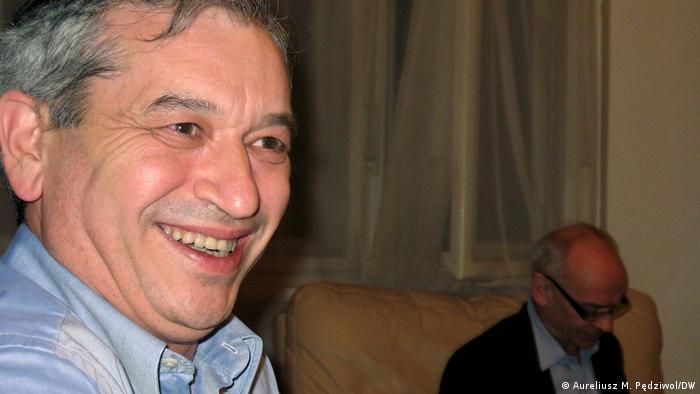 Aleksander Gleichgewicht, a w tle Jan Lityński