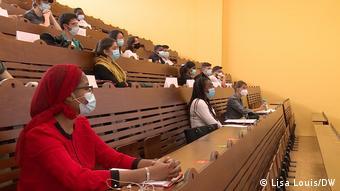Μάσκες και αποστάσεις σε γαλλικό πανεπιστήμιο
