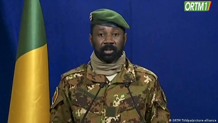 Militärjunta in Mali ernennt Übergangs- und Vizepräsidenten (ORTM TV/dpa/picture-alliance)