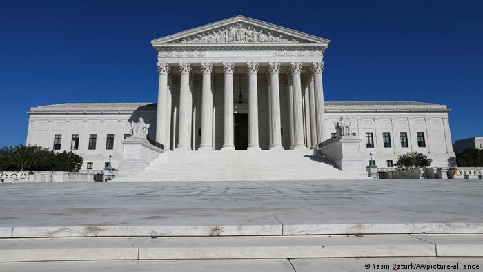 USA Oberster Gerichtshof in Washington (Yasin Ozturk/AA/picture-alliance)