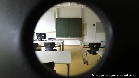 Γερμανία: 300.0000 μαθητές σε καραντίνα