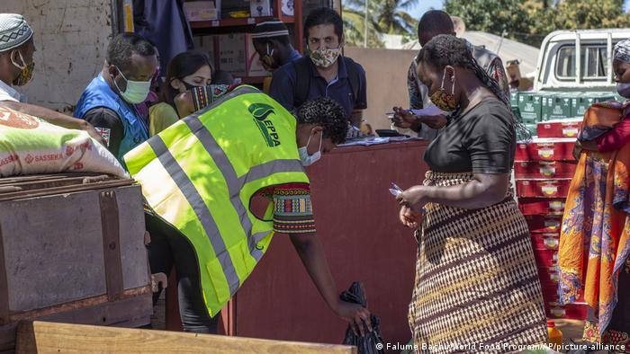 Mosambik I Nahrungsmittelknappheit in Cabo Delgado (Falume Bachir/World Food Program/AP/picture-alliance)
