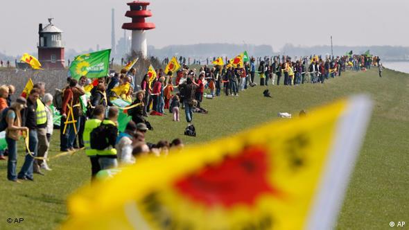 Demonstrationen gegen Atomkraft in Brokdorf Flash-Galerie