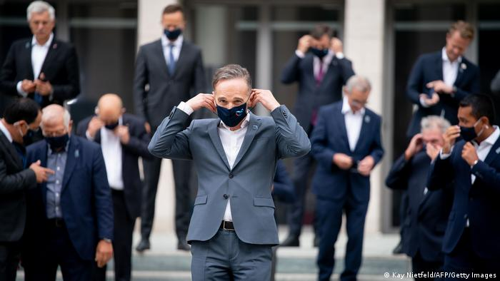 Heiko Maas wearing a face mask at an informal EU foreign ministers' meeting in Berlin