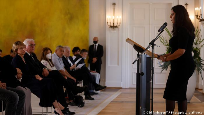 Deutschland Bundespräsident trifft Angehörige des Hanau-Anschlags (Odd Andersen/AP Photo/picture-alliance)