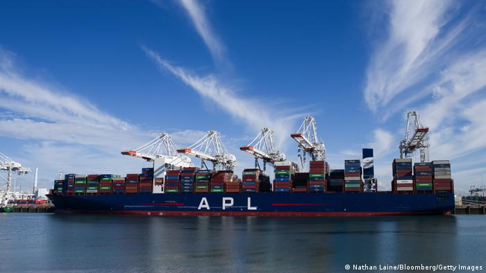 Container Schiff APL Changi in Le Havre