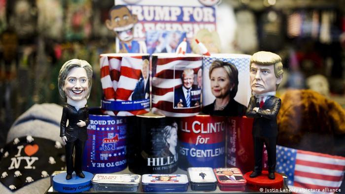 Verschwörungsmythos QAnon | Hillary Clinton und Donald Trump (Justin Lane/dpa/picture alliance )