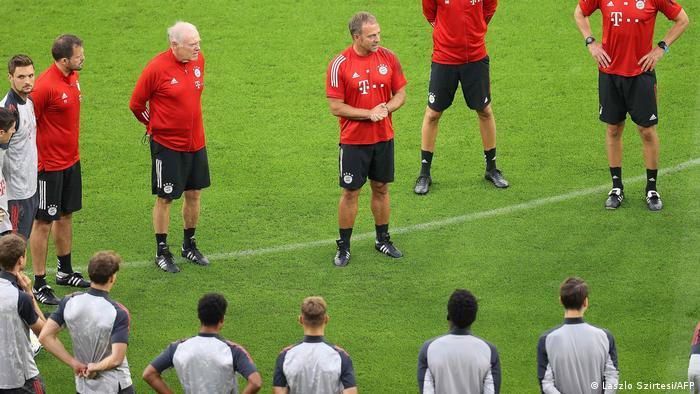 Igrači Bayerna na treningu (Laszlo Szirtesi/AFP)