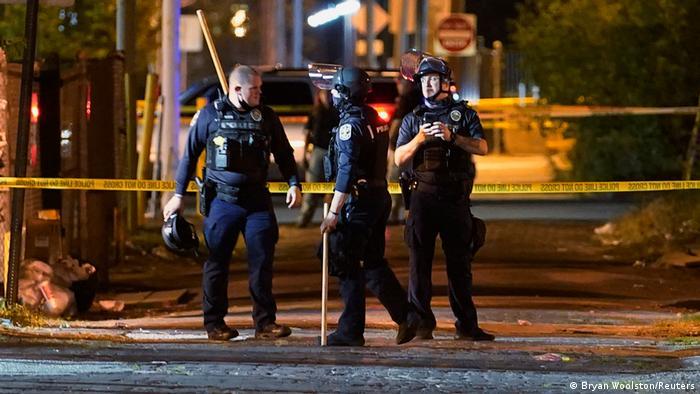 USA Polizisten bei Breonna Taylor-Protesten angeschossen (Bryan Woolston/Reuters)