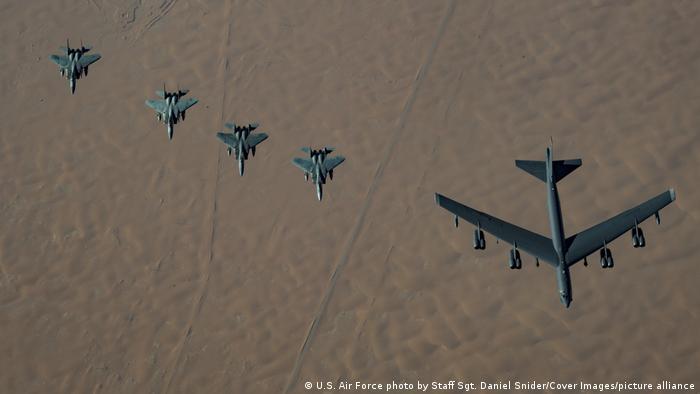 Saudi Arabien USA Flugzeug Militär