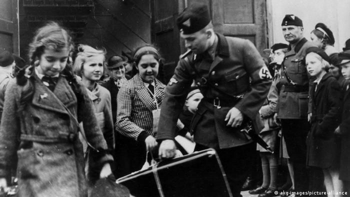 Берлинские дети прибывают в Познань в 1940 году