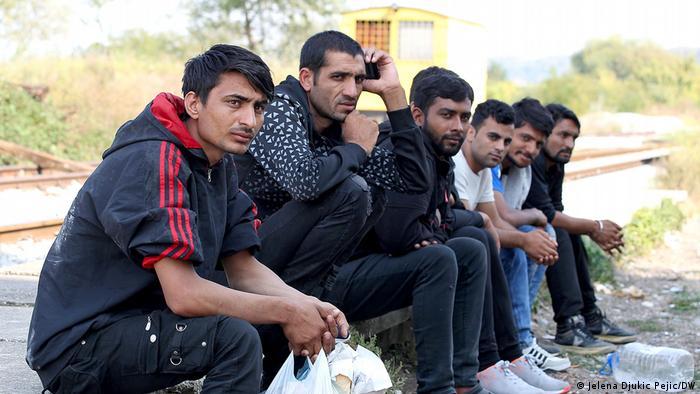 Serbien Flüchtlinge versuchen nach Bosnien und Herzegowina zu gelangen