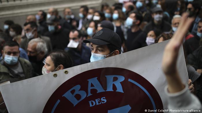 Marseille Coronakrise Proteste gegen Gastronomie Schließungen (Daniel Cole/AP Photo/picture-alliance)