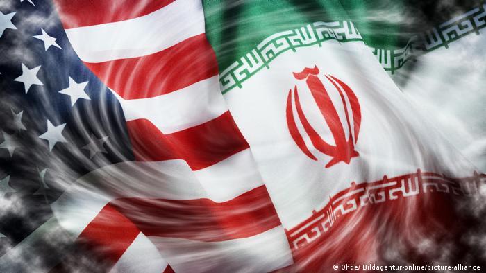 Fahnen von USA und Iran