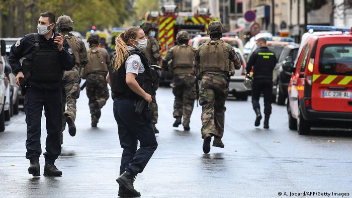 Dos heridos en ataque cerca de la sede de Charlie Hebdo | Europa | DW | 25.09.2020