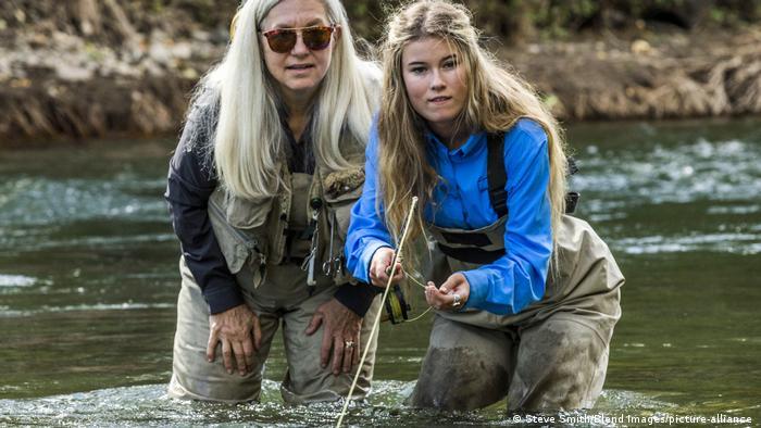 Знайти жінок-рибалок у дитячих книжках важко