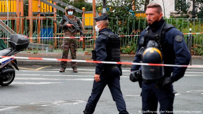 Правоохоронці поблизу місця нападу у Парижі
